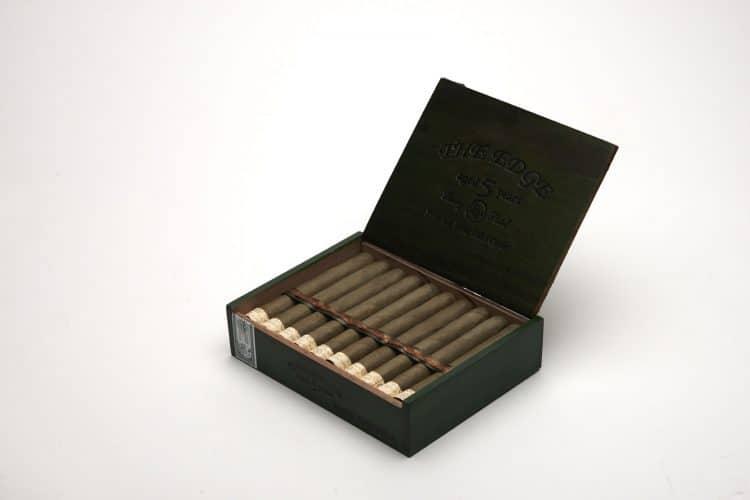 Cigar Rocky Patel Edge Candela 8