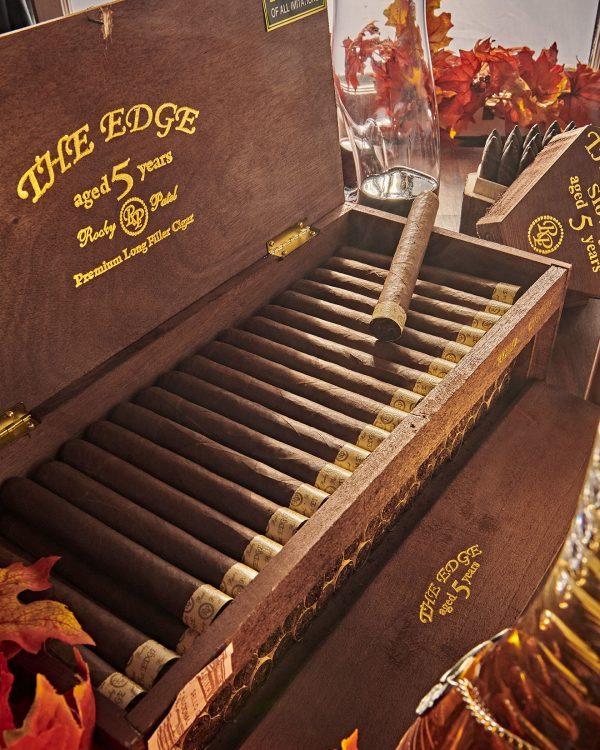 Cigar Rocky Patel Edge Corojo 12