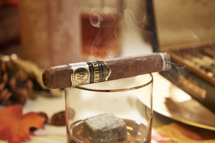 Cigar Rocky Patel Twentieth Anniversary Natural 10